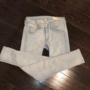 Rag & bone skinny/capri light wash jeans
